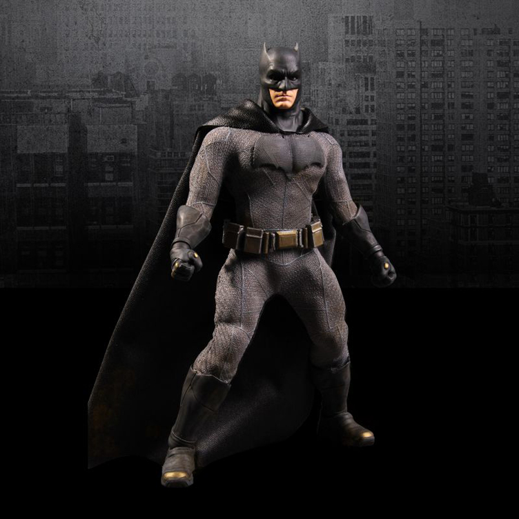 batman-vs-superman-one-12-action-figure-batman-mezco-toyz