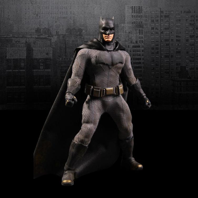 batman-vs-superman-one-12-action-figure-batman-mezco-toyz