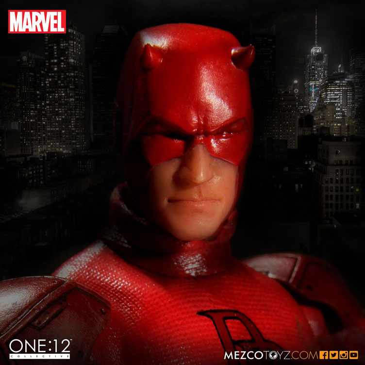daredevil-one-twelve-collective-action-figure-mezco-1