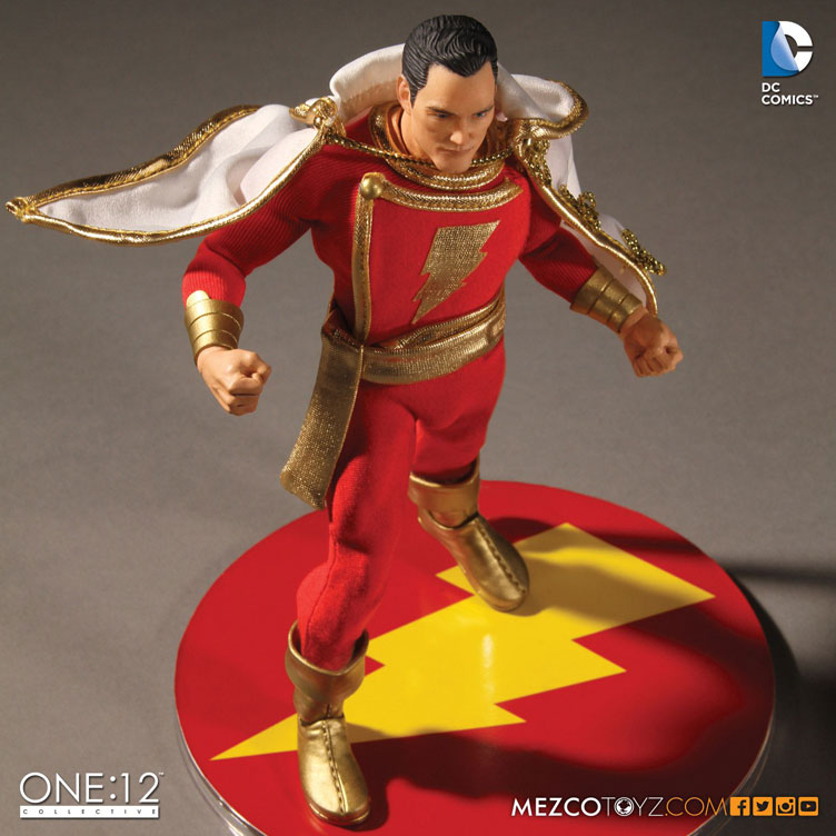 shazam-one-12-collective-action-figure-mezco-toyz-5