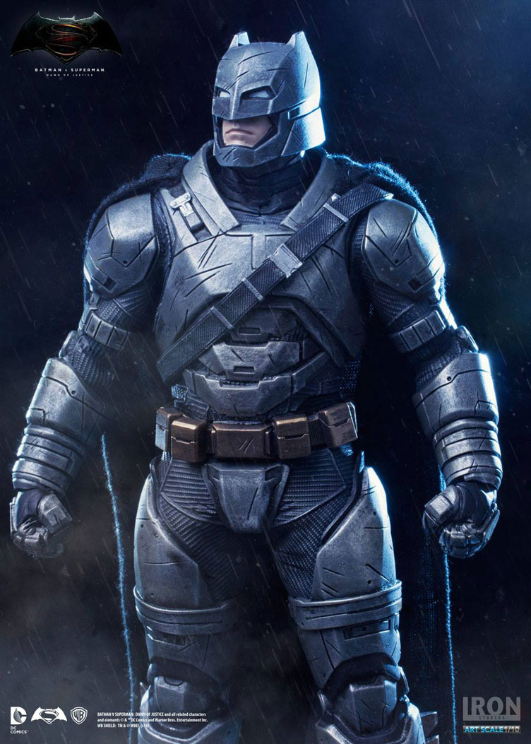 batman-vs-superman-iron-studios-armored-batman-statue-2