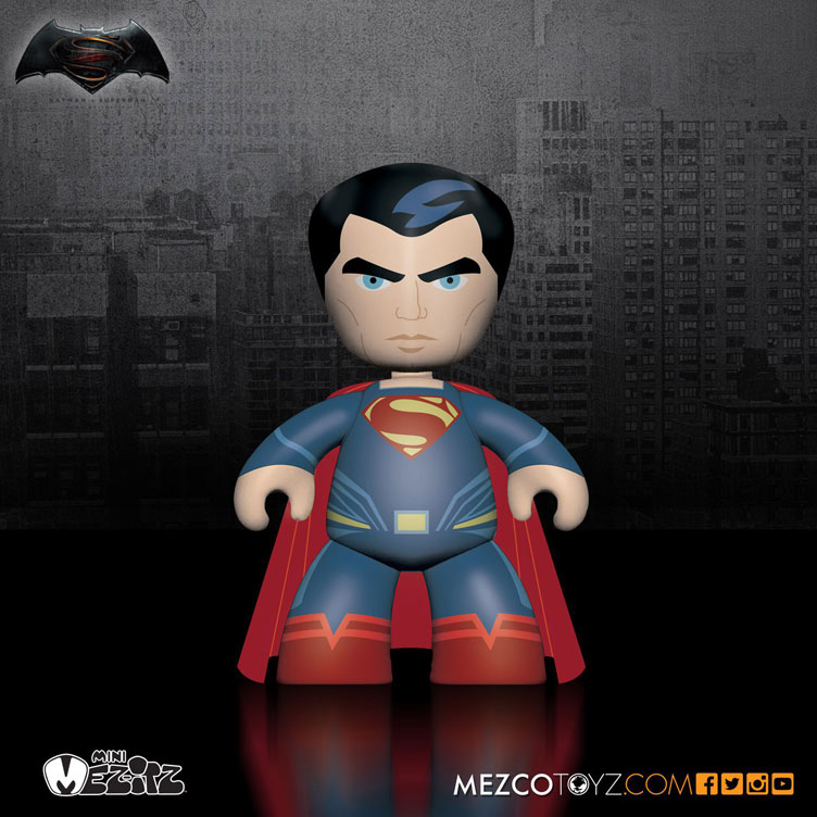 batman-vs-superman-mez-itz-vinyl-superman-figure