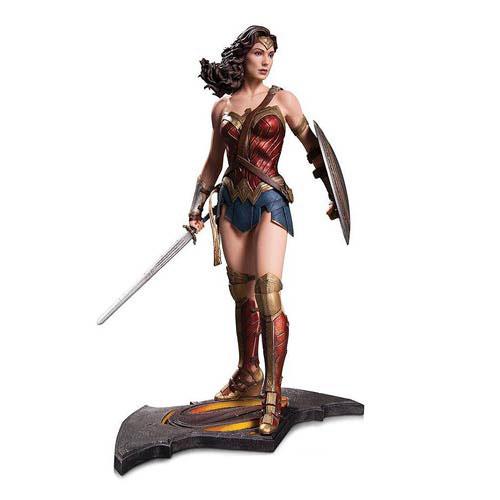 batman-vs-superman-sixth-scale-wonder-woman-statue-dc-collectibles