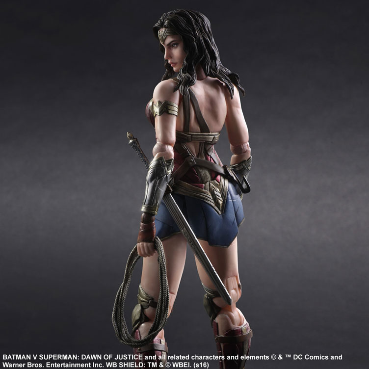 batman-vs-superman-square-enix-play-arts-armored-wonder-woman-action-figure-2