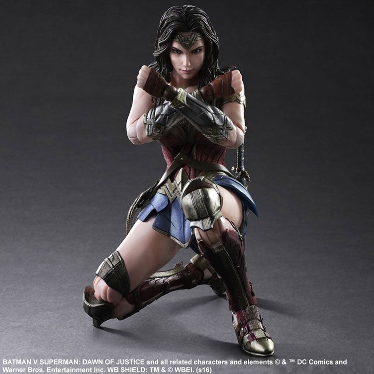 batman-vs-superman-square-enix-play-arts-armored-wonder-woman-action-figure-4