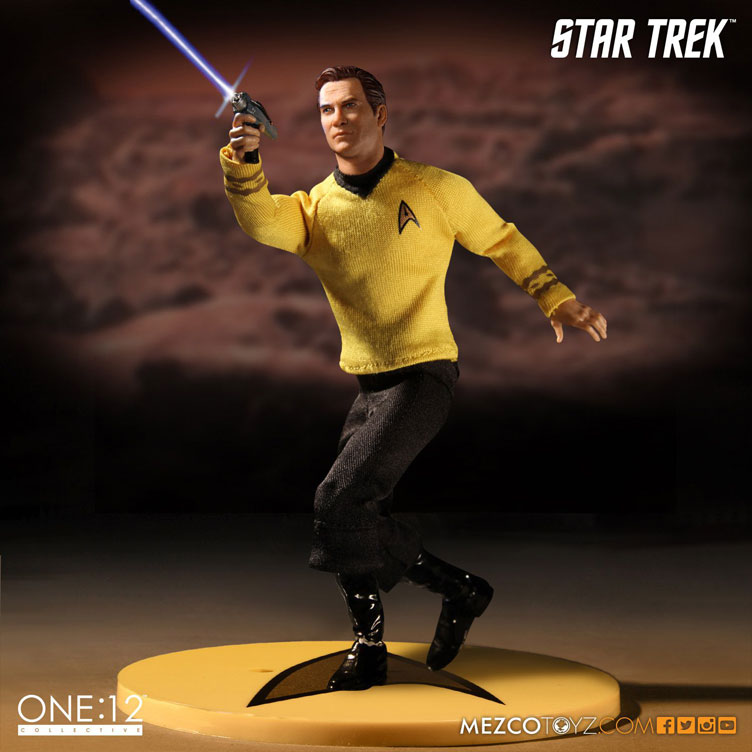 mezco-toyz-star-trek-kirk-action-figure-3