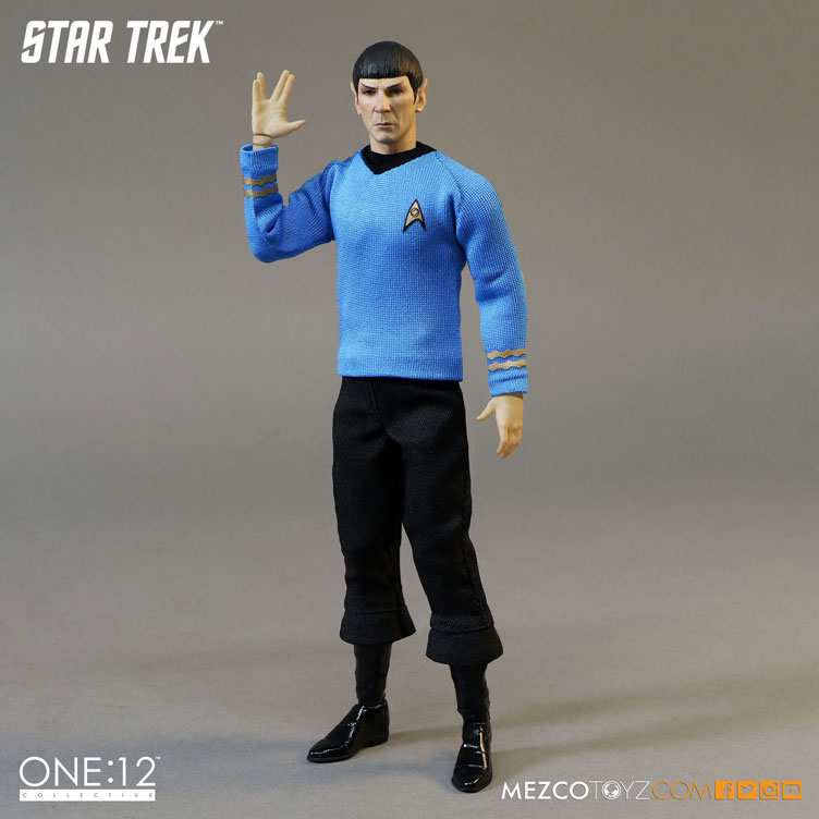 mezco-toyz-star-trek-spock-action-figure-3