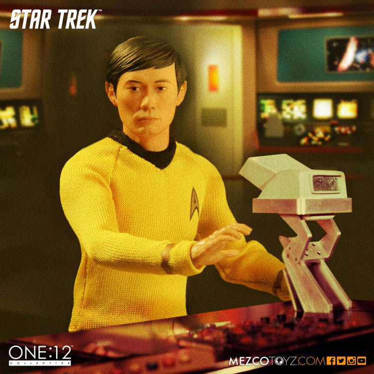 mezco-toyz-star-trek-sulu-action-figure-2