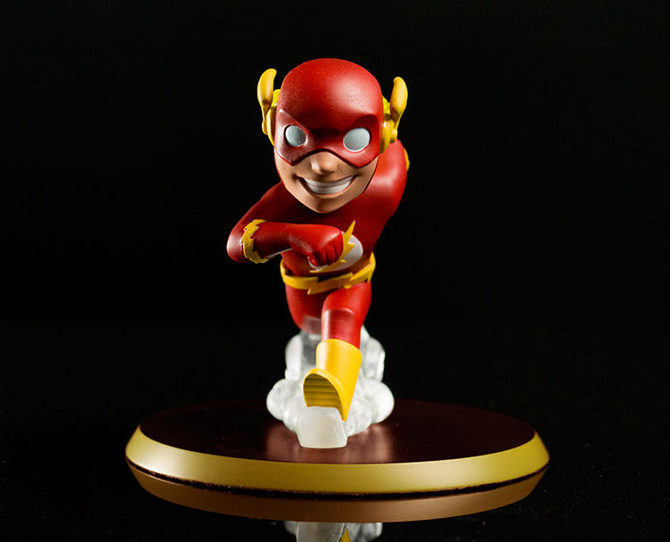the-flash-q-pop-vinyl-figure-1