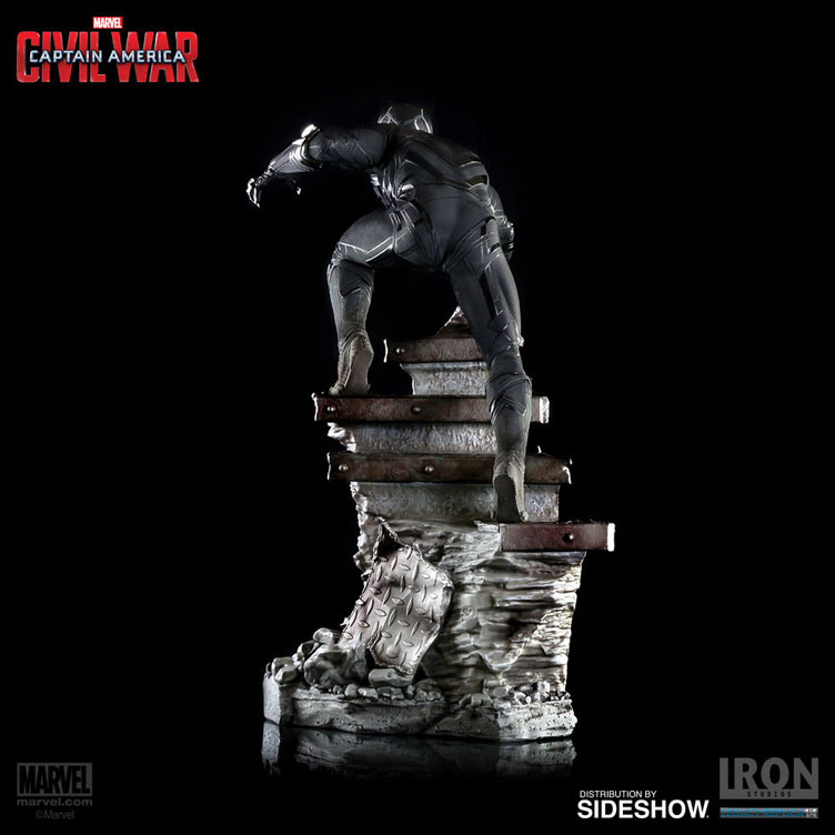 black-panther-captain-america-civil-war-statue-iron-studios-11
