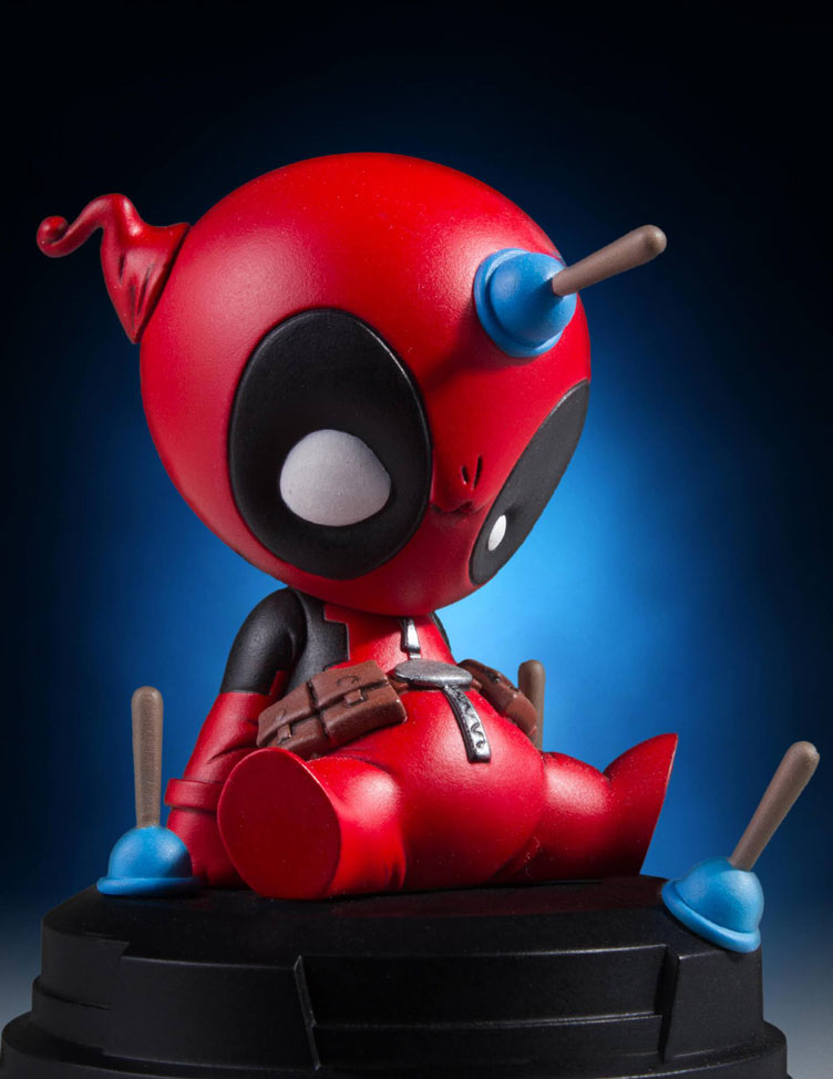 deadpool-animated-statue-by-gentle-giant-1