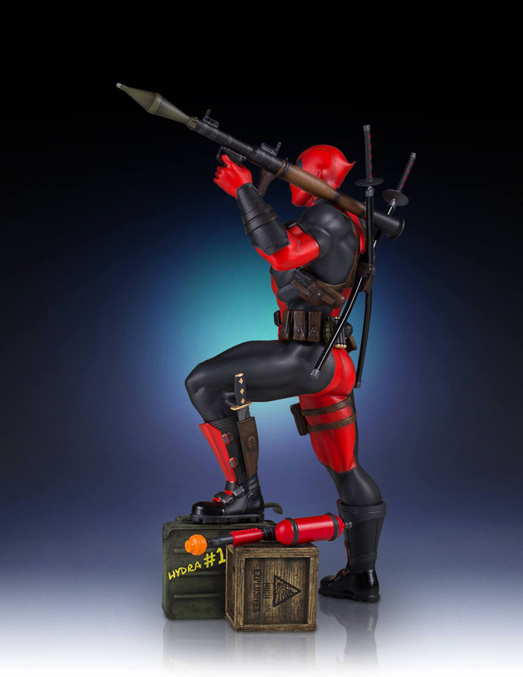 deadpool-collectors-gallery-statue-gentle-giant-2