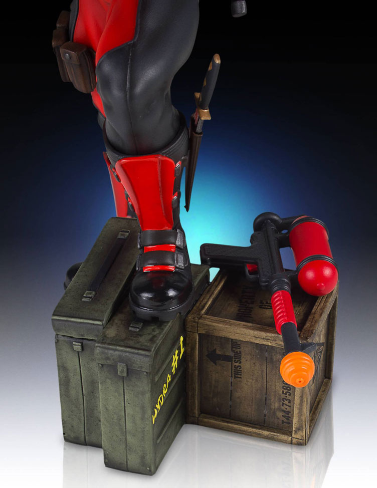 deadpool-collectors-gallery-statue-gentle-giant-8