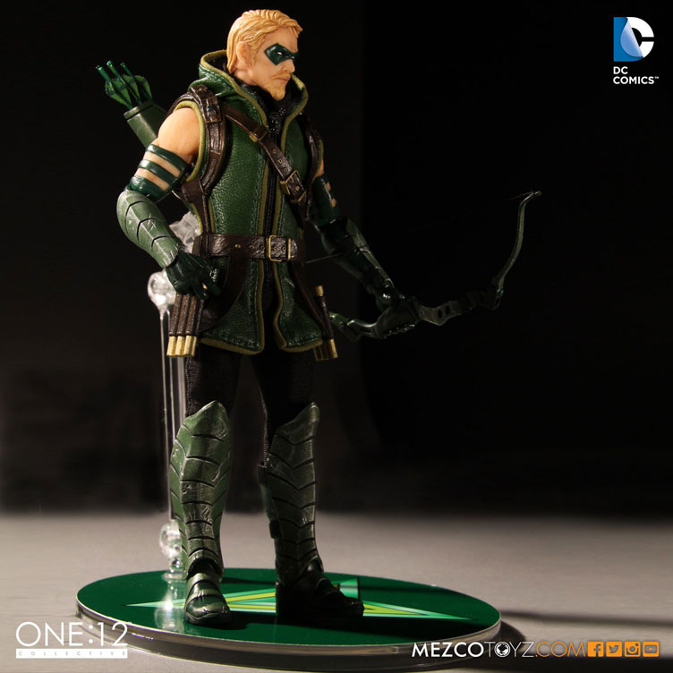green-arrow-one-12-collective-action-figure-mezco-toyz-6