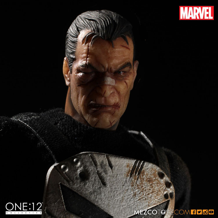 punisher-one-twelve-collectible-action-figure-mezco-toyz-7