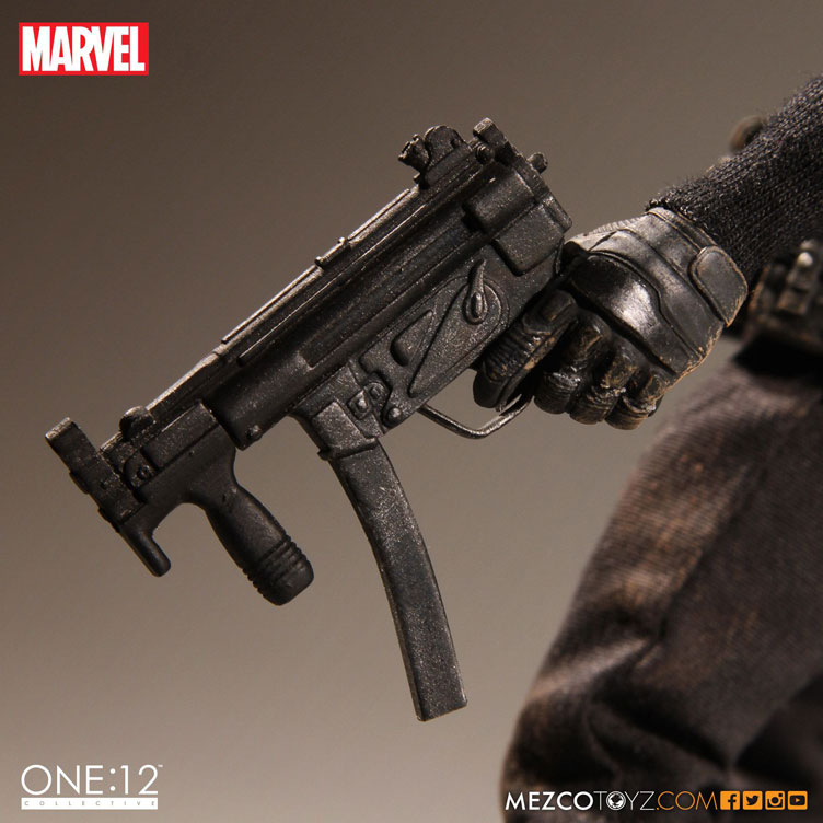 punisher-one-twelve-collectible-action-figure-mezco-toyz-8