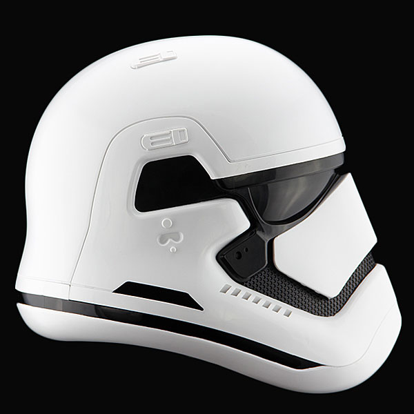 star-wars-the-force-awakens-stormtrooper-helmet-prop-replica-2