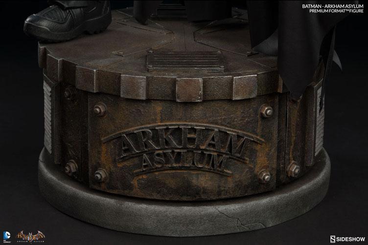 batman-arkham-asylum-premium-figure-sideshow-11