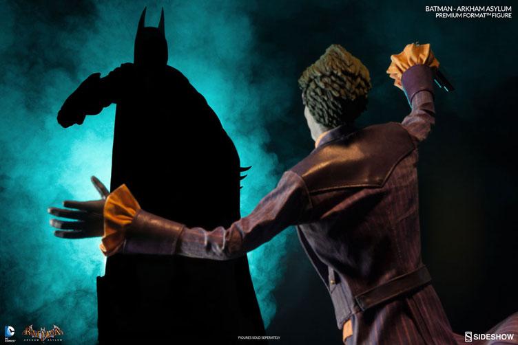 batman-arkham-asylum-premium-figure-sideshow-12