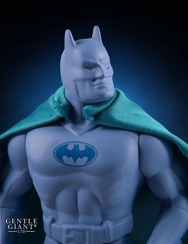 gentle-giant-batman-prototype-jumbo-figure-sdcc-2016-exclusive-3