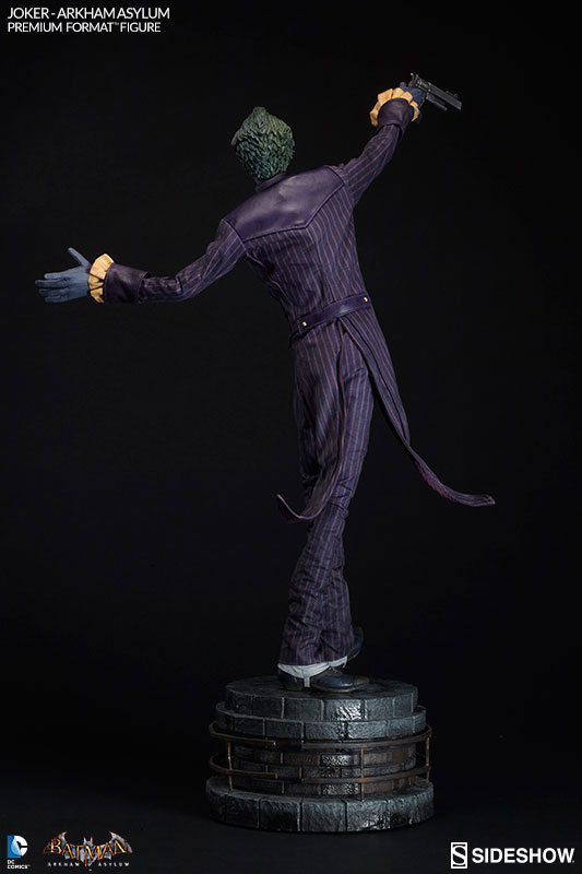 joker-arkham-asylum-premium-format-figure-sideshow-collectibles-8
