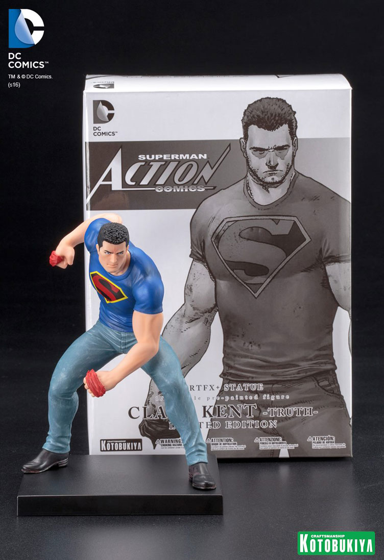kotobukiya-clark-kent-truth-artfx-statue-sdcc-2016-exclusive-2