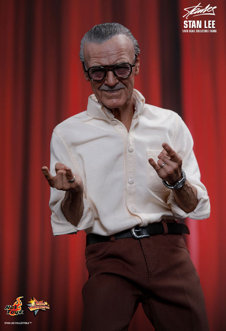 stan-lee-sixth-scale-figure-hot-toys-4