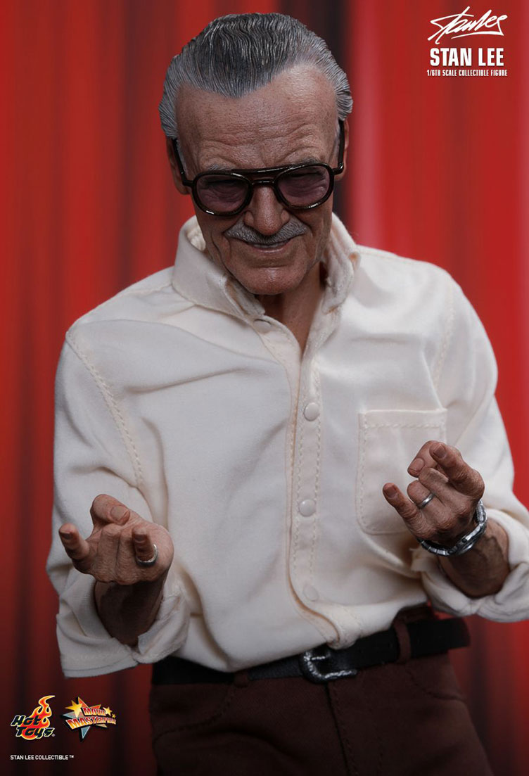 stan-lee-sixth-scale-figure-hot-toys-5