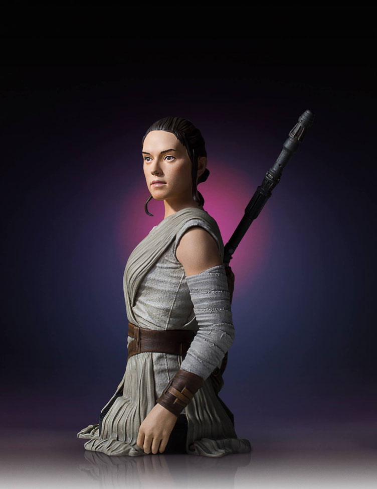 star-wars-the-force-awakens-rey-bust-statue-gentle-giant-3