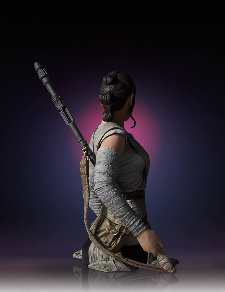 star-wars-the-force-awakens-rey-bust-statue-gentle-giant-4