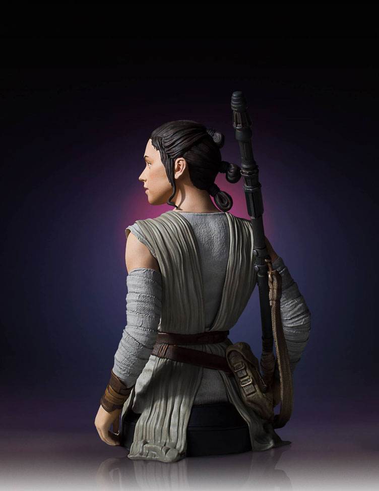 star-wars-the-force-awakens-rey-bust-statue-gentle-giant-5