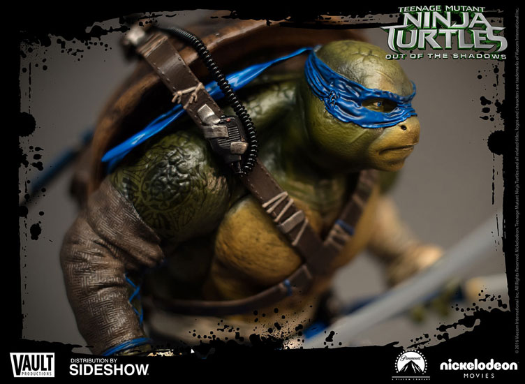 tmnt-out-of-the-shadows-leonardo-statue-1