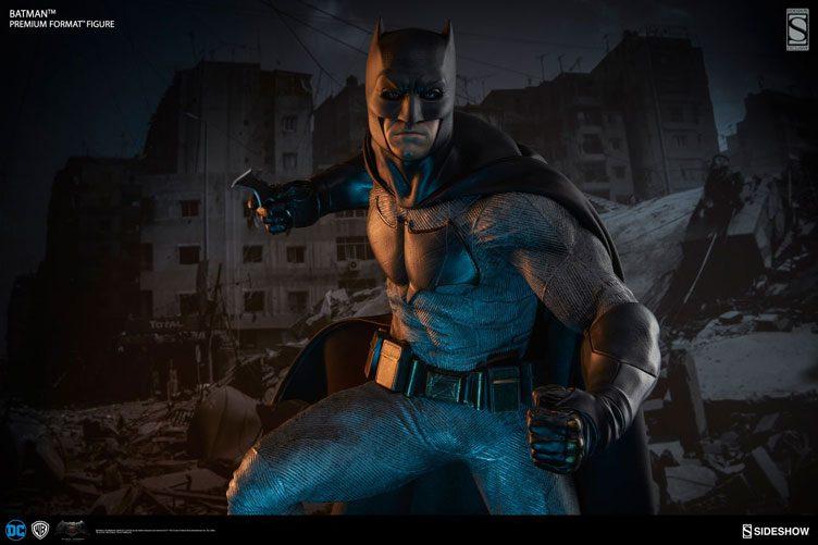 batman-vs-superman-batman-premium-figure-sideshow-1