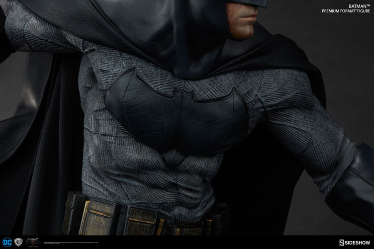 batman-vs-superman-batman-premium-figure-sideshow-4
