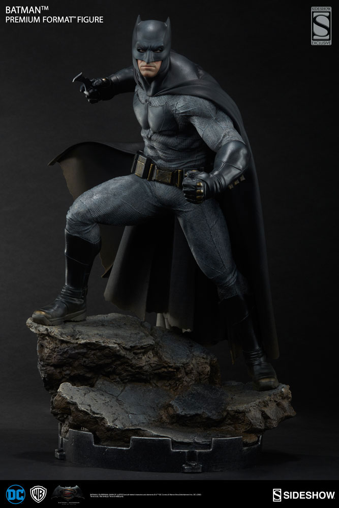 batman-vs-superman-batman-premium-figure-sideshow-9