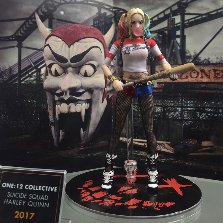 harley-quinn-mezco-toyz-one-12-collective-action-figure