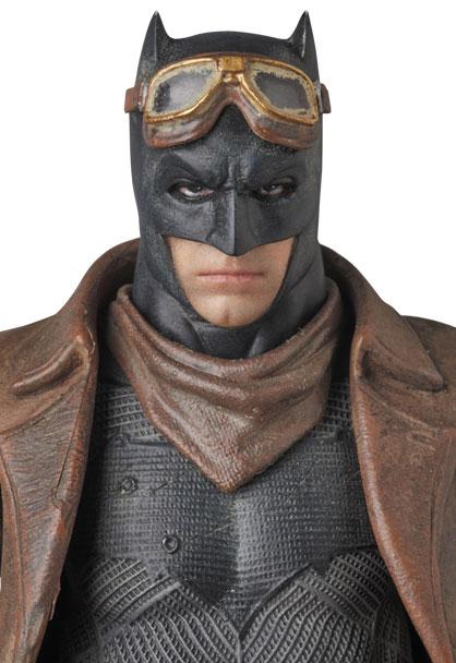 knightmare-batman-mafex-action-figure-1