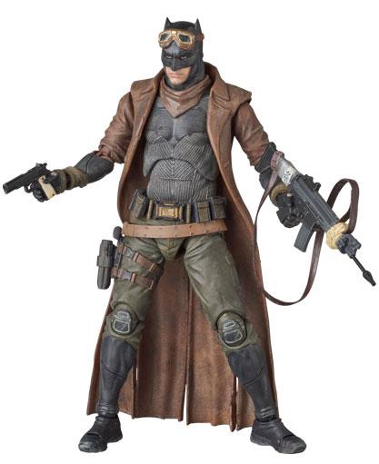 knightmare-batman-mafex-action-figure-5