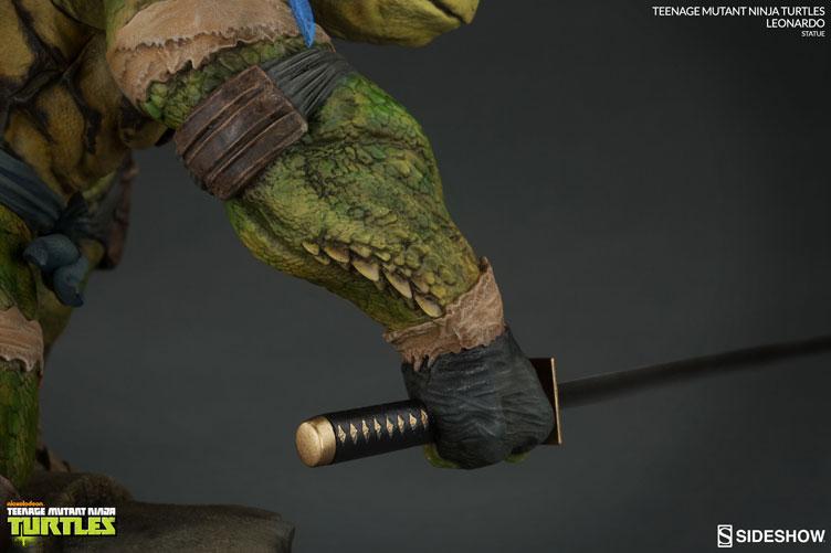 tmnt-leonardo-sideshow-collectibles-statue-8