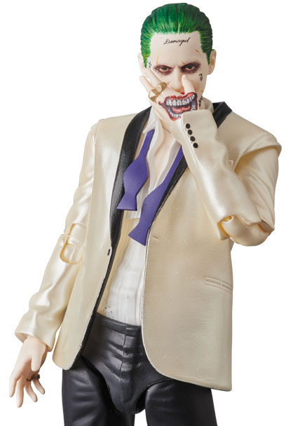 suicide-squad-the-joker-suit-MAFEX-action-figure-1