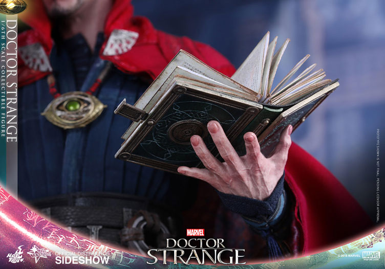 hot-toys-doctor-strange-sixth-scale-figure-8