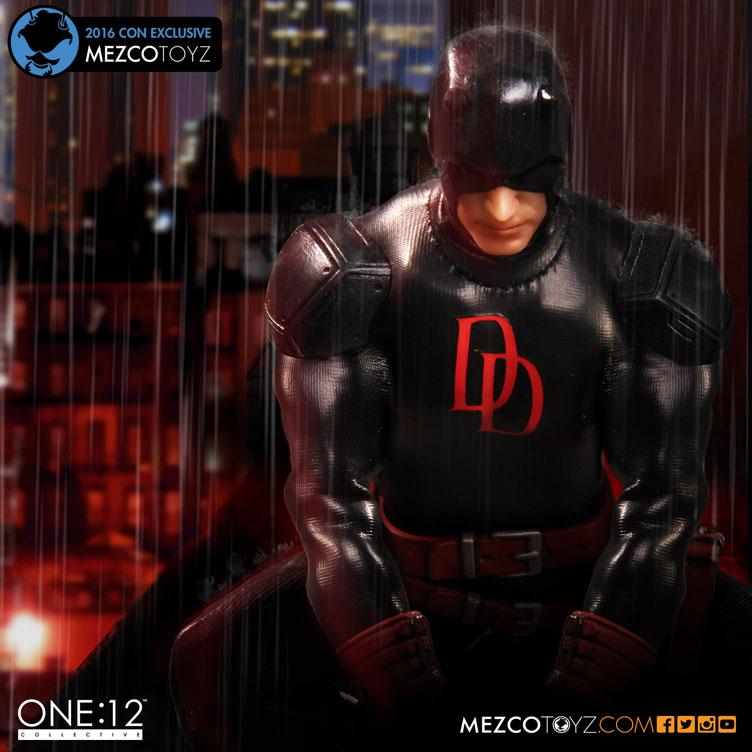 mezco-toyz-daredevil-shadowland-2016-new-york-comic-con-exclusive