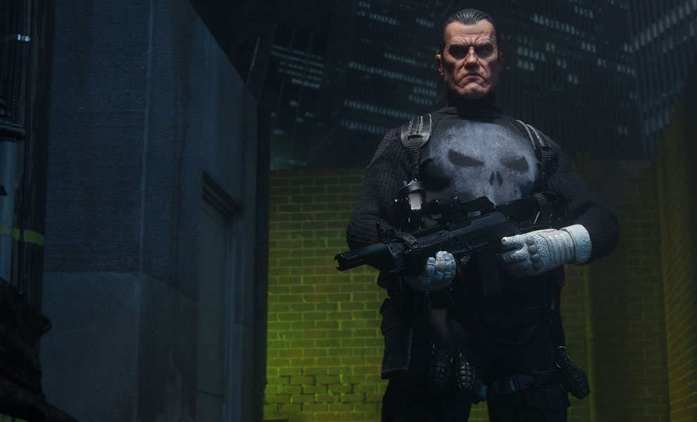 the-punisher-sixth-scale-figure-sideshow-4