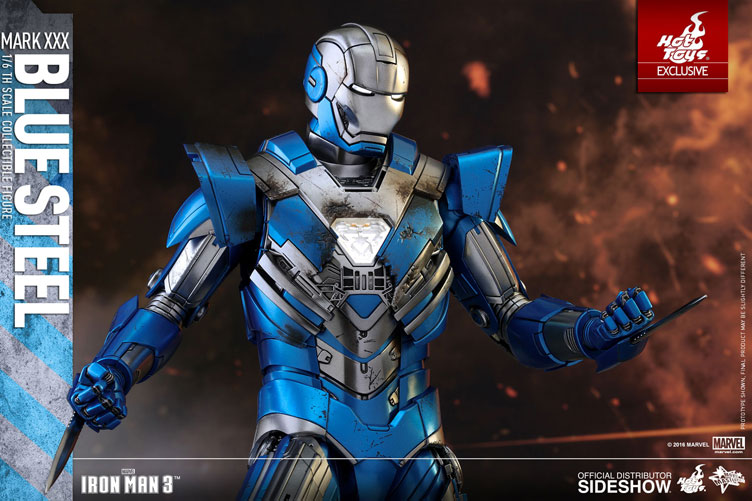 hot-toys-iron-man-mark-xxx-blue-steel-figure-6