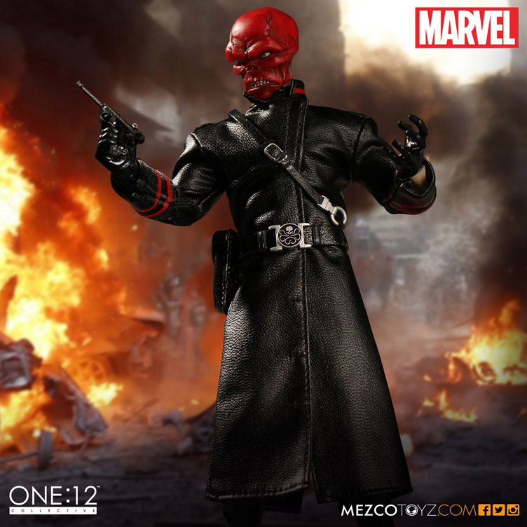 red-skull-mezco-one-12-figure-5