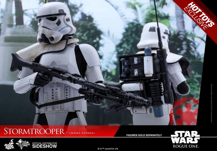 star-wars-rogue-one-stormtrooper-hot-toys-figure-1