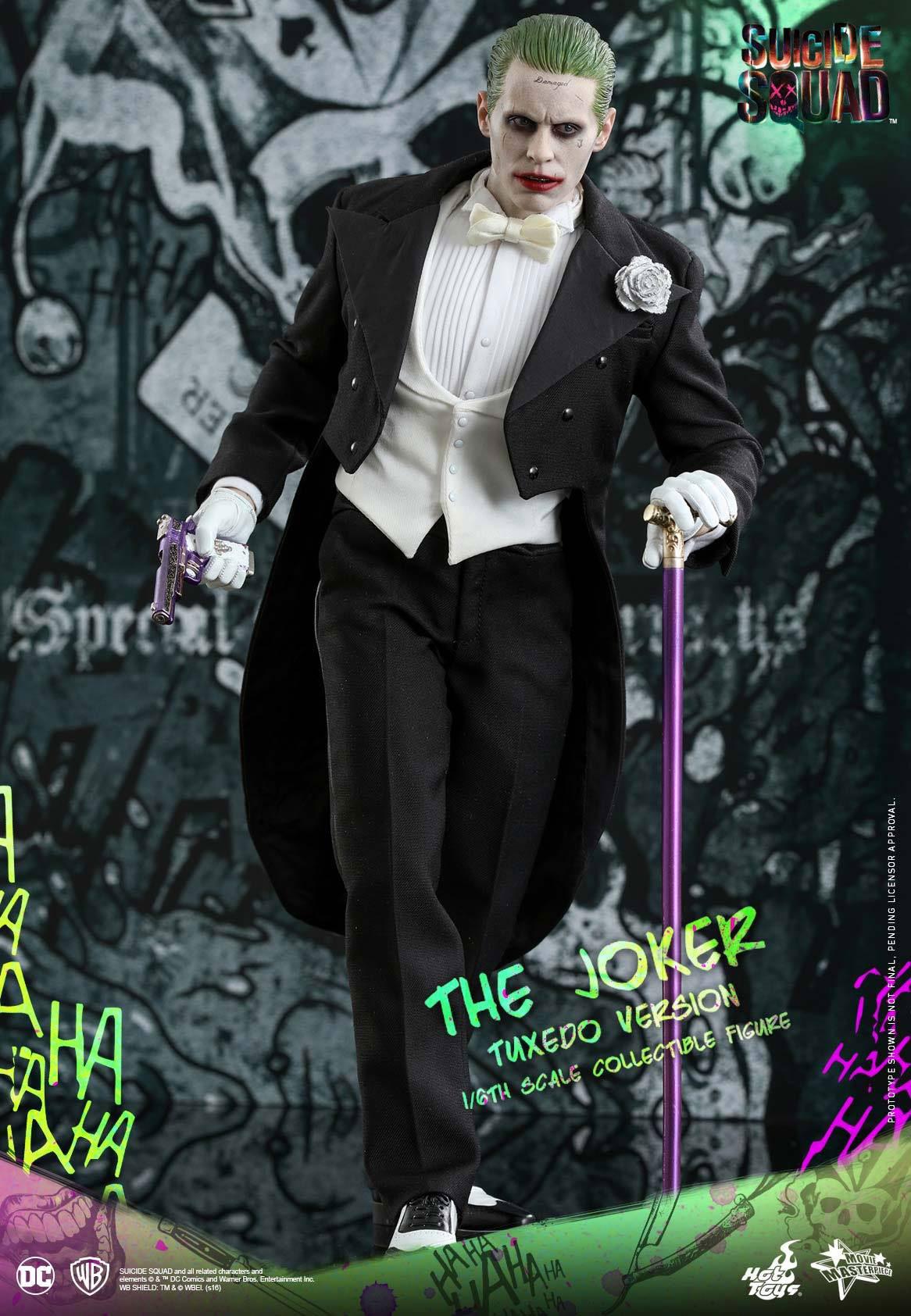 suicide-squad-hot-toys-joker-tuxedo-figure-4