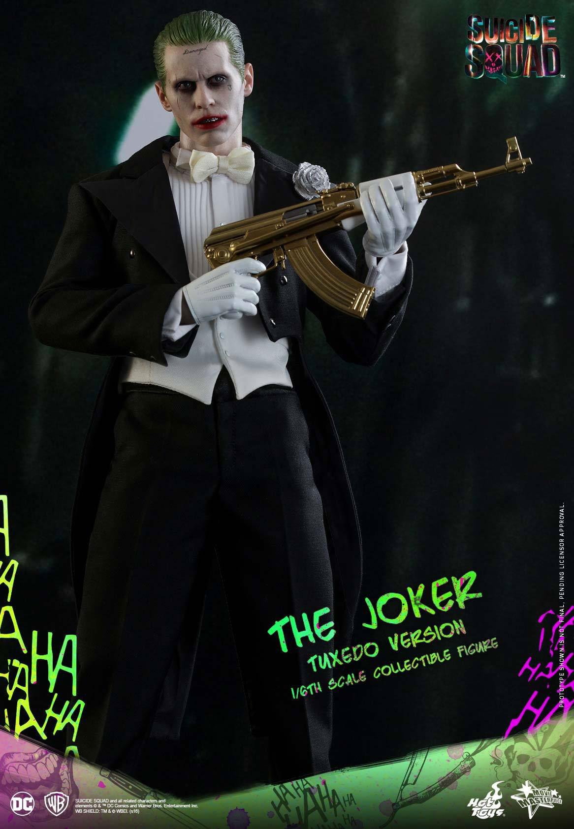 suicide-squad-hot-toys-joker-tuxedo-figure-5