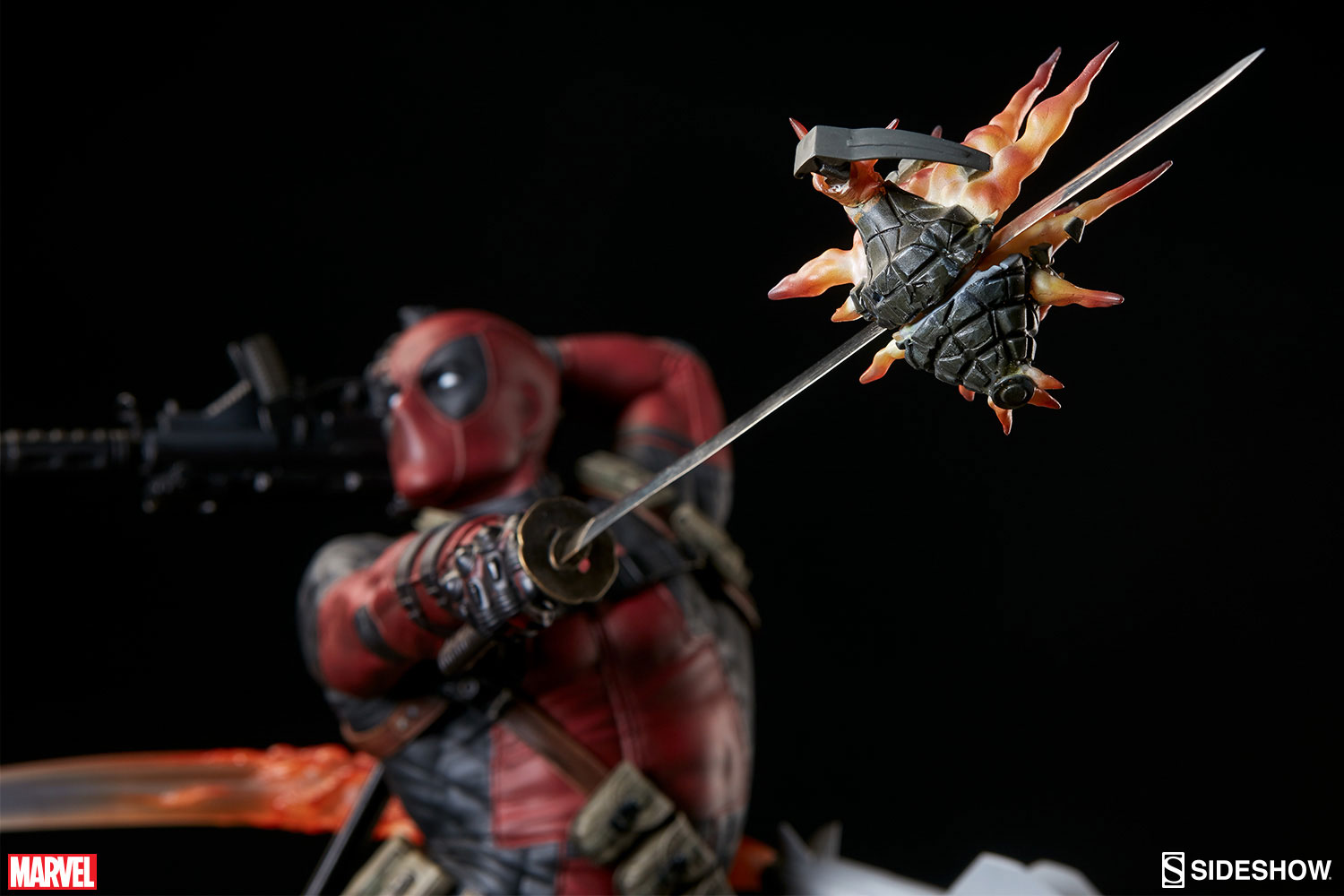 sideshow-deadpool-heatseeker-premium-figure-4
