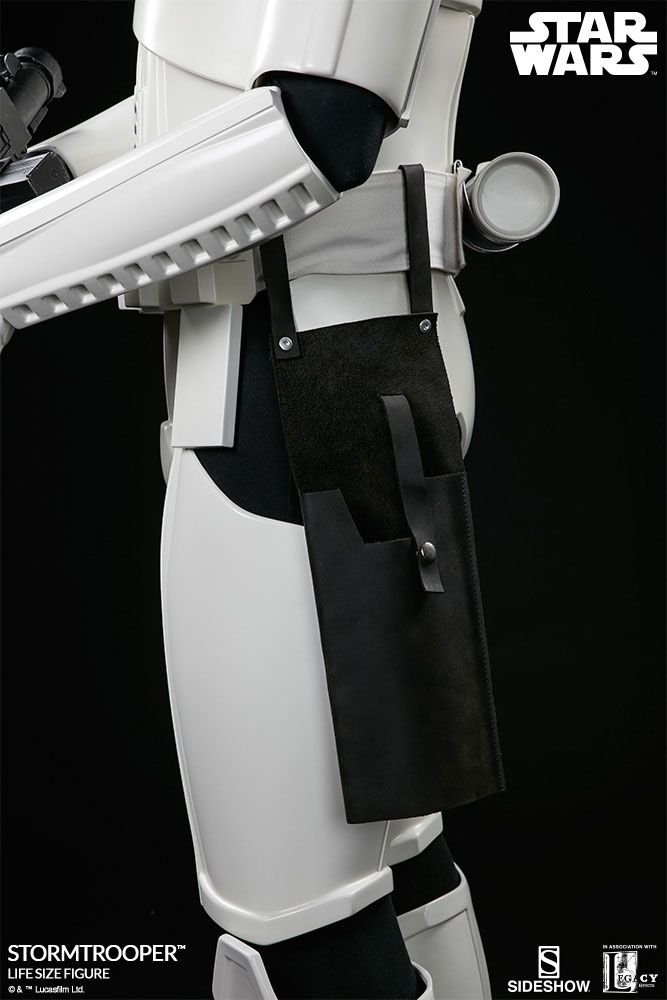 sideshow-life-size-stormtrooper-10